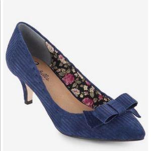 Seychelles Blue Suede Leather Kitten Heels Size8.5